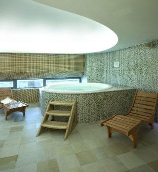 012-betoniniai-baseinai-irengimas-mozaikos-plyteliu-klijavimas
