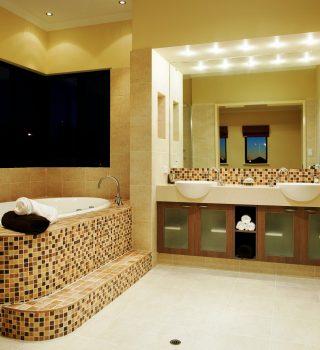 024-vonios-kambario-apsvietimas-vonios-irengimo-ideja