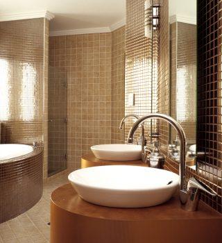 030-mazos-vonios-plyteles-dizainas
